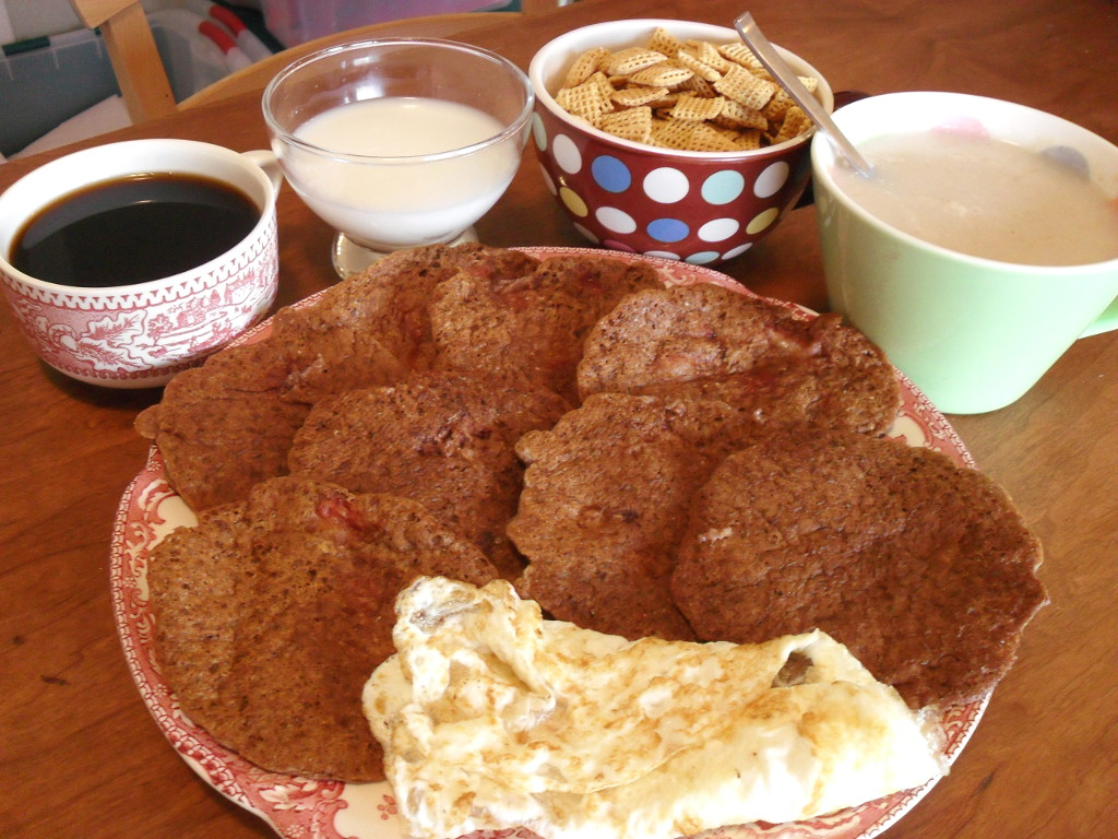sweetie • 2014-01-01 • coffee, milk, corn chex, oatmeal, chocolate strawberry pancakes, eggs
