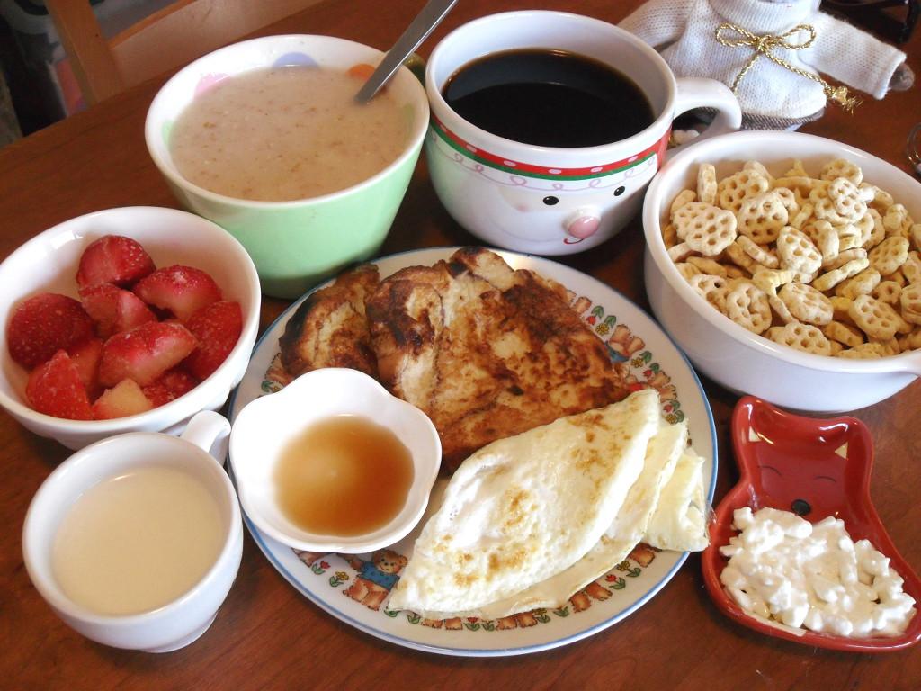 http://foodloader.net/sweetie_2014-01-06_milk__strawberries__oatmeal__coffee__cereal__french_toast__eggs.jpg