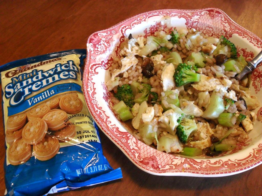 http://foodloader.net/sweetie_2014-01-06_sandwich_cookies__stir_fry_rice__scrambled_eggs__mushrooms__broccoli.jpg
