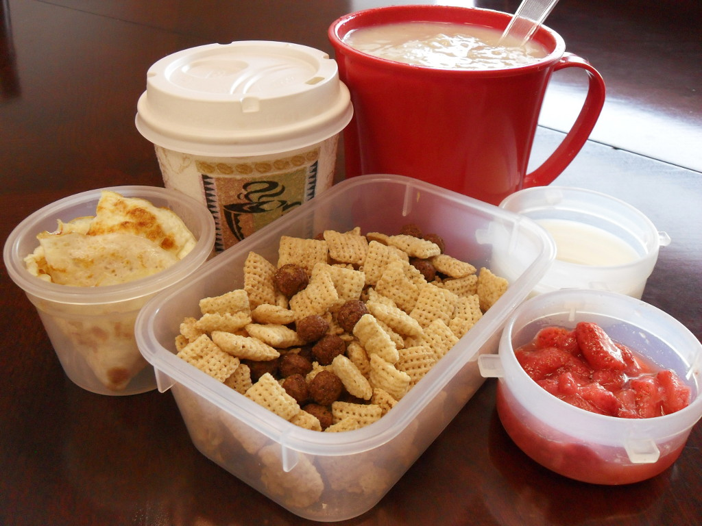 http://foodloader.net/sweetie_2014-01-07_coffee__oatmeal__eggs__rice_chex__cocoa_puffs__goat_milk__strawberries.jpg