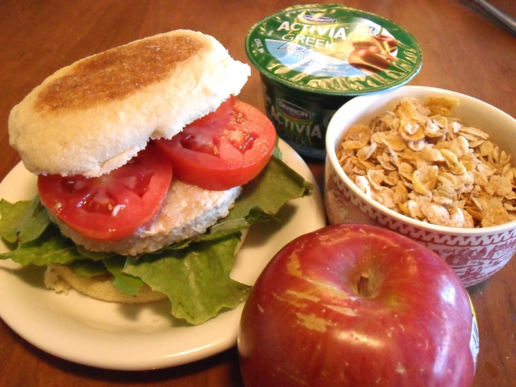 https://foodloader.net/sweetie_2014-01-12_english_muffin__veggie_burger__lettuce__tomatoes__yogurt__granola__apple.jpg