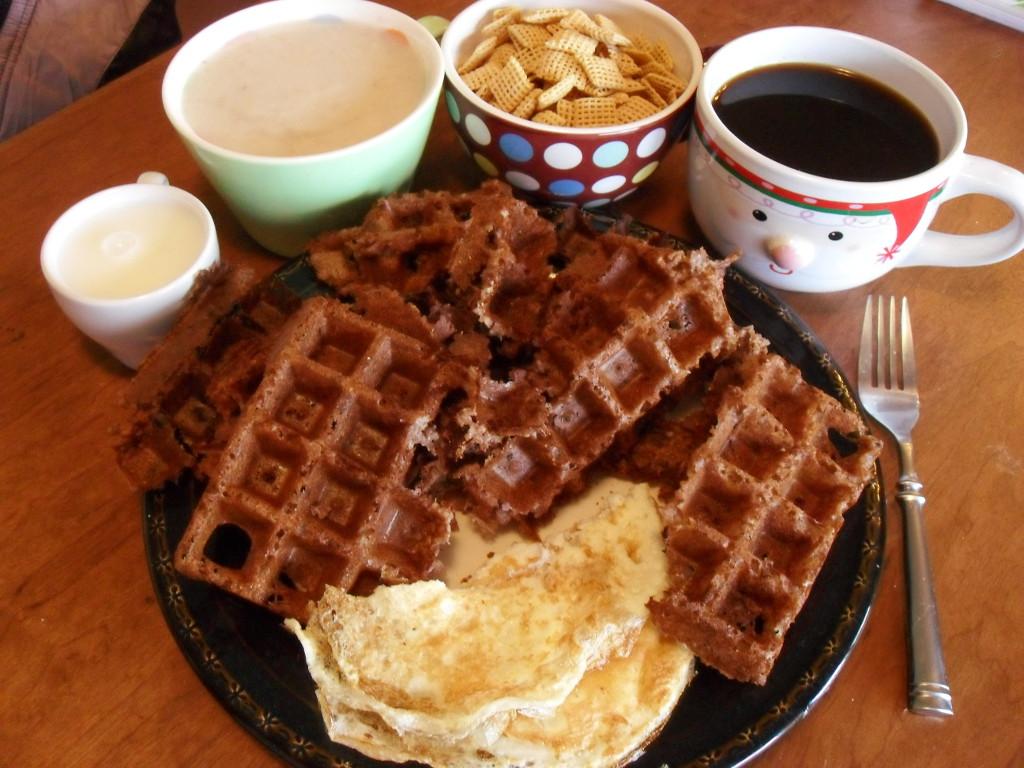 http://foodloader.net/sweetie_2014-01-12_milk__oatmeal__corn_chex__coffee__ugly_tasty_strawberry_oat_waffle__eggs.jpg