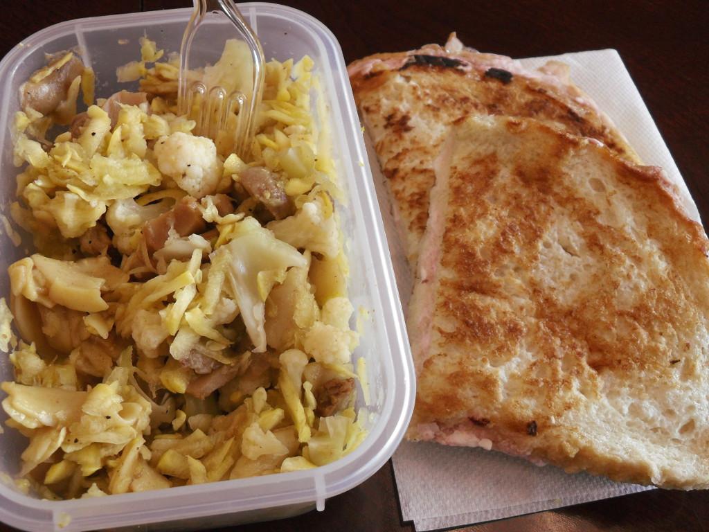 https://foodloader.net/sweetie_2014-01-13_egg_noodles__beef__squash__mushrooms__cauliflower__stuffed_french_toast.jpg