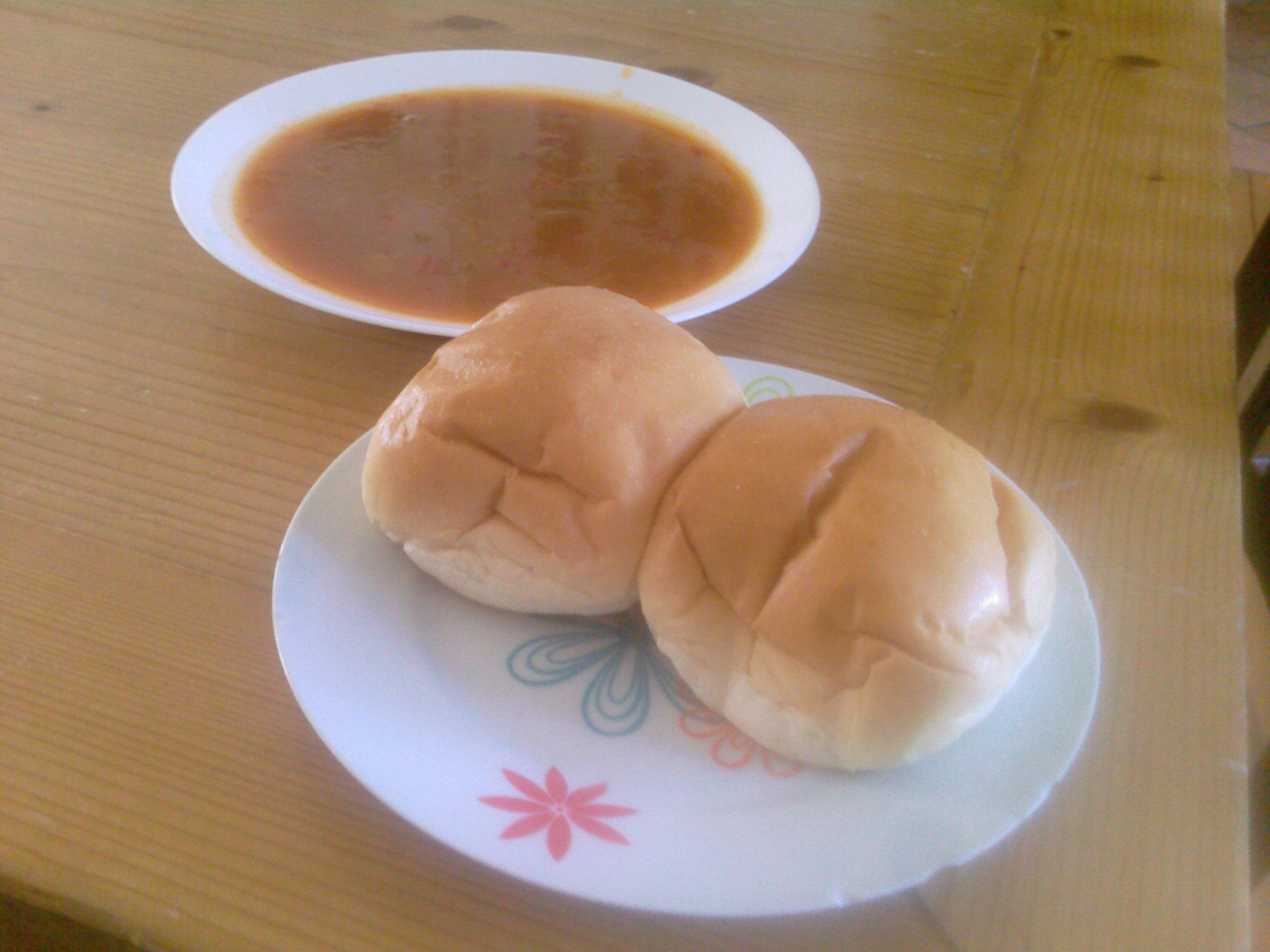 https://foodloader.net/wcbrilman_2009-07-16_soup_and_bread_ew_disgusting.jpg