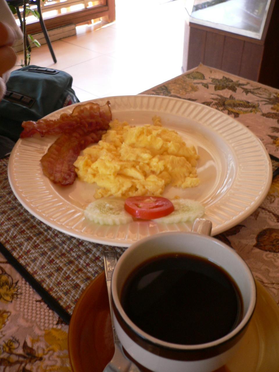https://foodloader.net/xSh_2007-07-23_American_Breakfast.jpg