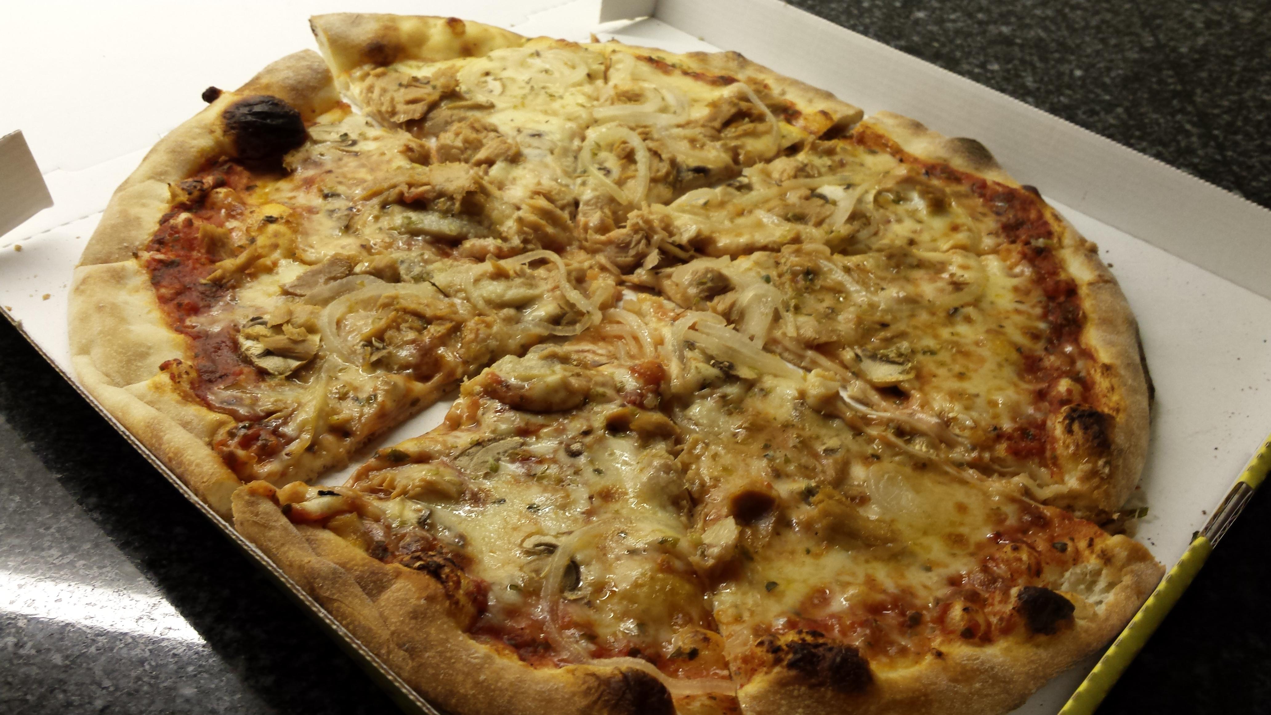 http://foodloader.net/xSh_2015-09-06_Pizza_.jpg