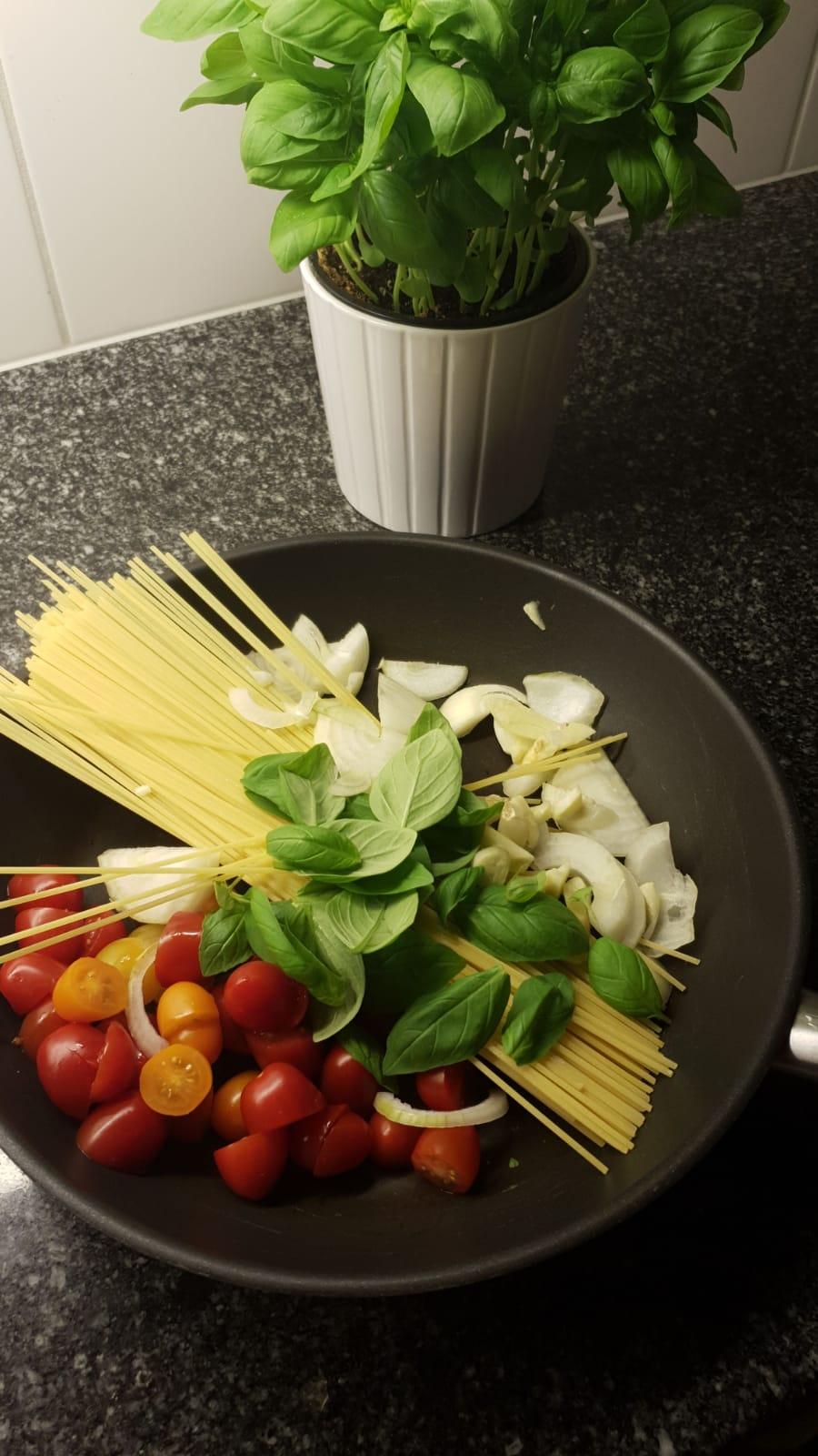 https://foodloader.net/xSh_2018-08-04_Spaghetti.jpg