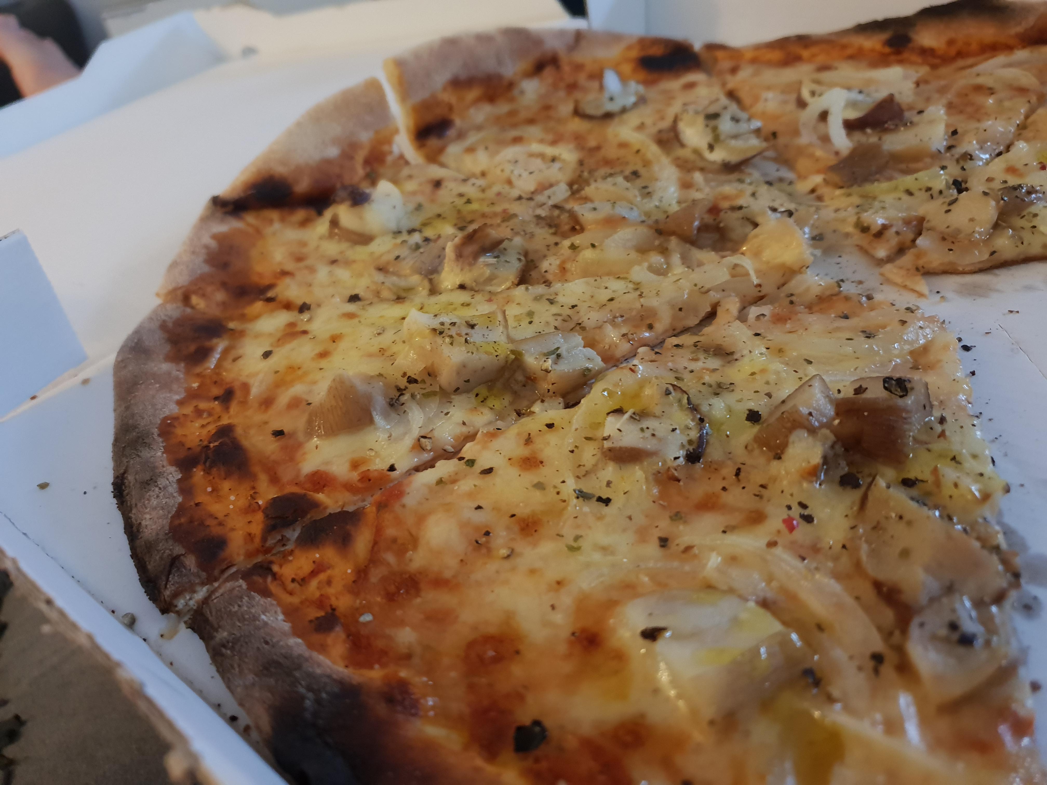 http://foodloader.net/xSh_2018-09-09_Pizza_steinpilz.jpg