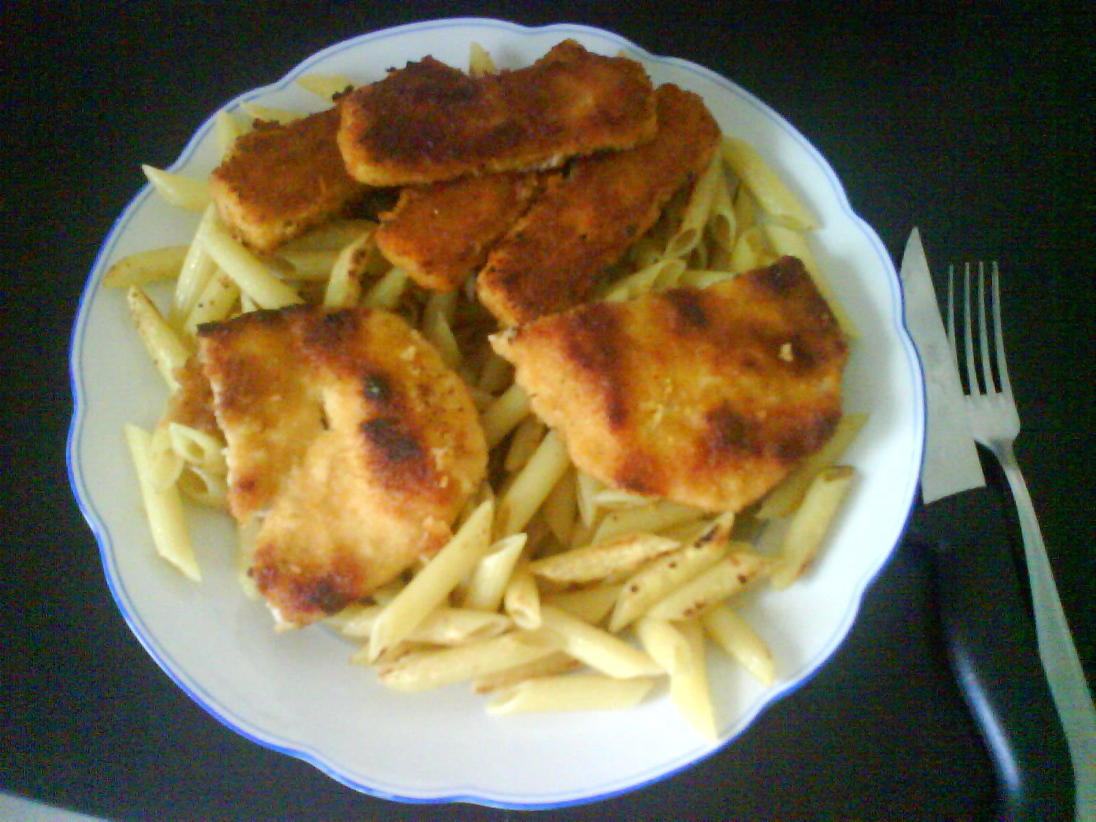 http://foodloader.net/youhardt_2008-06-08_Schnitzel_Fisch_Nudeln.jpg